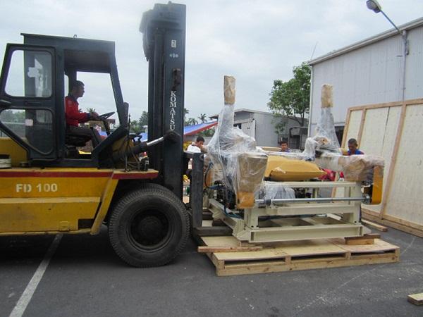 Dịch vụ xe cẩu nâng hạ hàng hóa
