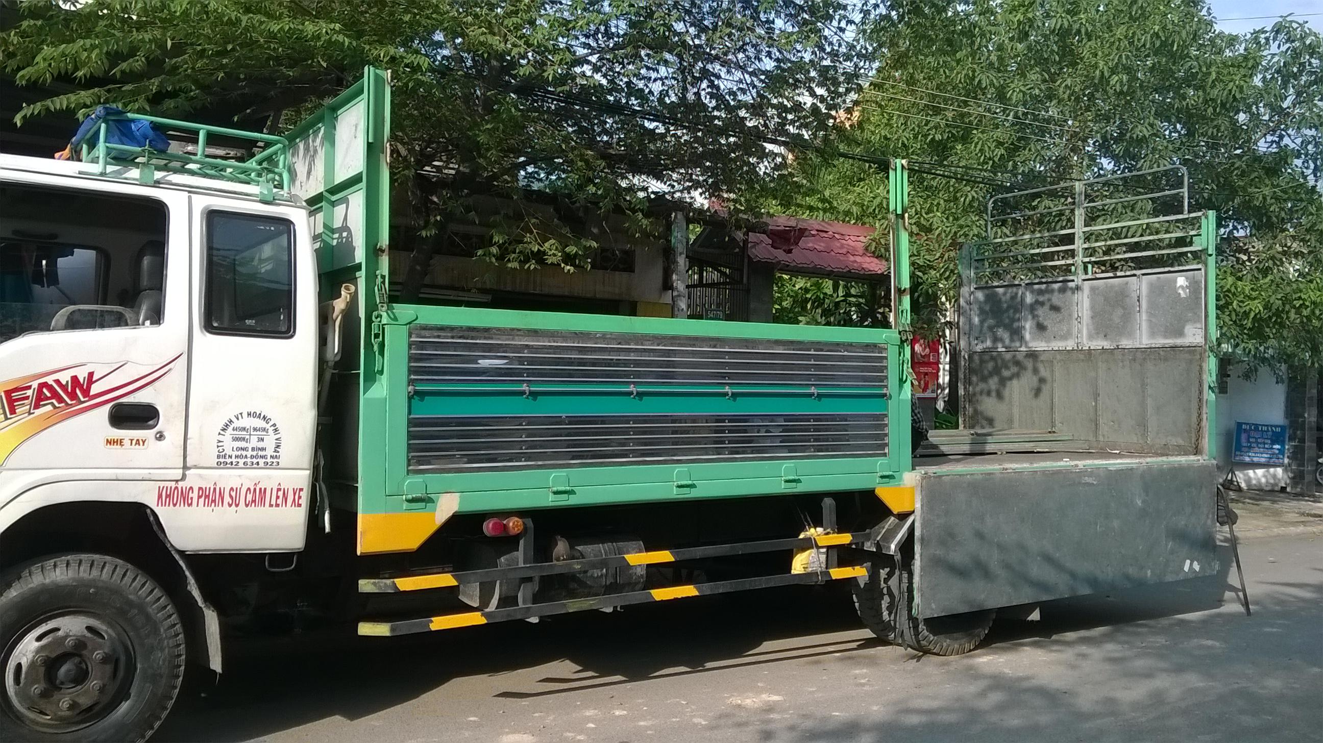 Xe tải thùng đa năng